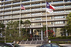 Exxon Mobil makes senior management changes