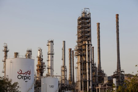 AEG Power Solutions wins contract for petrochemical plants