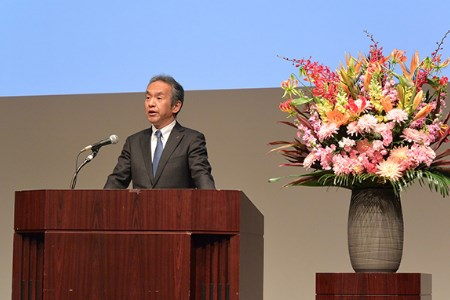 Mitsubishi Heavy Industries holds welcoming ceremony for new employees
